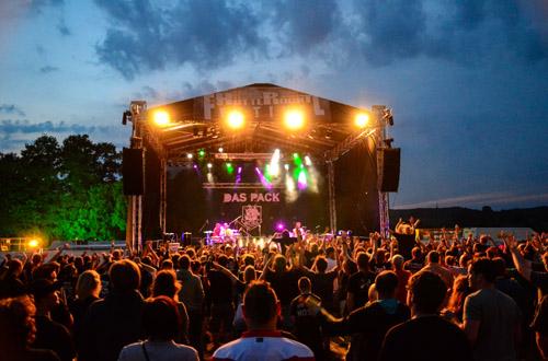 (C) Björn Kaisen / DAS PACK - Hütte Rockt Festival 2014 / Zum Vergrößern auf das Bild klicken