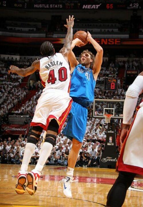 (C) 2011 NBAE (Photo by Nathaniel S. Butler/NBAE via Getty Images) / Dirk Nowitzki/Dallas Mavericks / Zum Vergrößern auf das Bild klicken