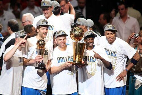(C) 2011 NBAE (Photo by Marc Serota/NBAE via Getty Images) / Dirk Nowitzki & Dallas Mavericks / Zum Vergrößern auf das Bild klicken