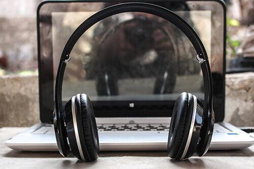 (C) Pexels / Headphones / Zum Vergrößern auf das Bild klicken