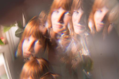 (C) Kira Curtis / JENNAH BARRY / Zum Vergrößern auf das Bild klicken